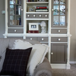 pine-hutch-painted-with-Annie-Sloan-Chalk-Paint