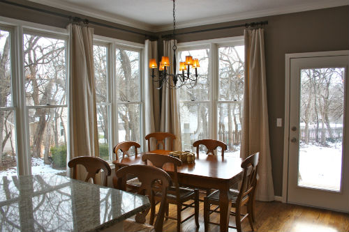 kitchen-eating-area-view