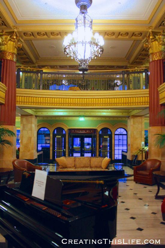 Kansas City President Hotel lobby