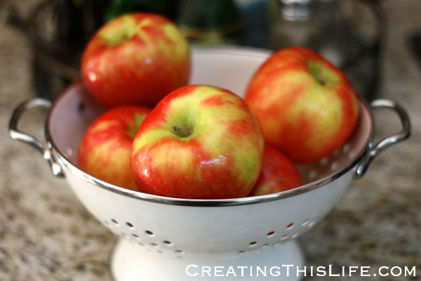 Honeycrisp apples in white colander