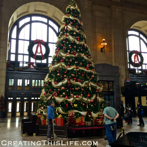 kansas city union station christmas tree