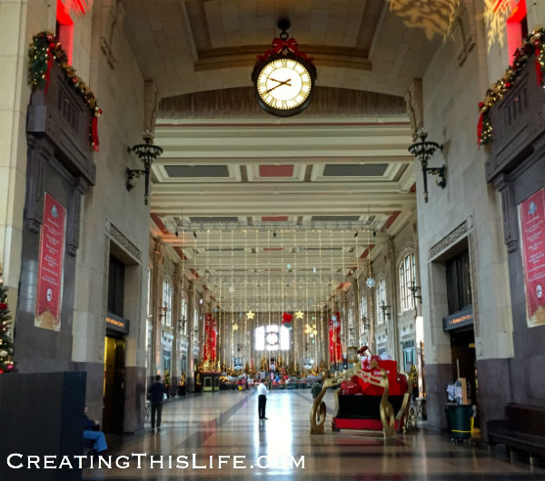 Kansas City's Union Station Christmas Decorations