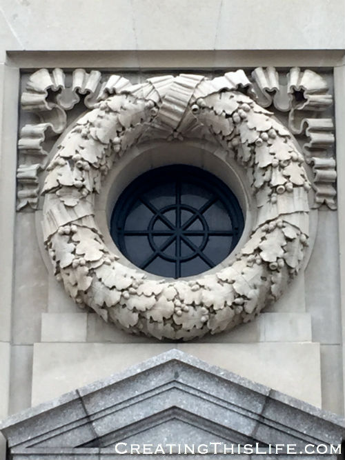 Wreath on the front of Kansas City's Union Station