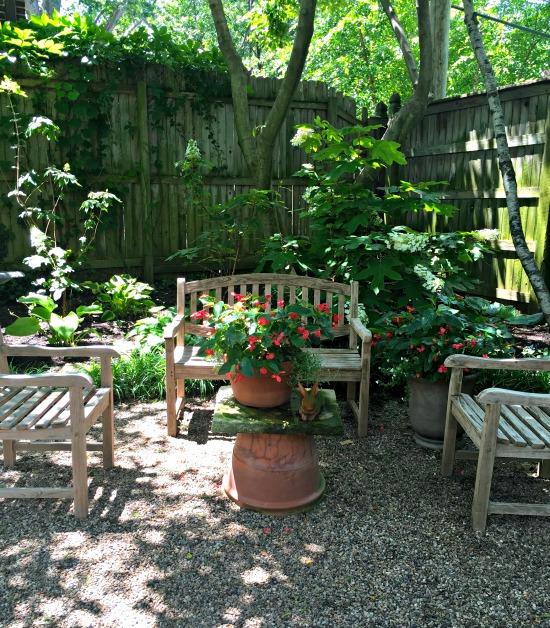 tudor garden 10
