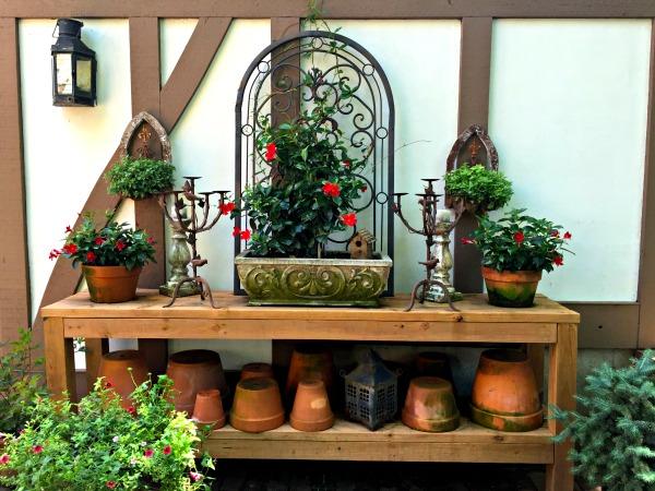 tudor garden 6