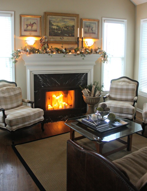 christmas-fireplace-mantle